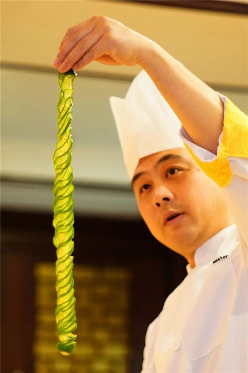 屈桂明:在以前,没有十年功力,师傅都不会让你碰松鼠鳜鱼